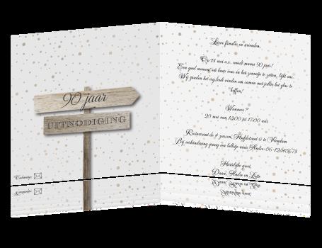 Uitzonderlijk Verjaardags uitnodiging vrouw 90 jaar met houten tekst bord @PB03
