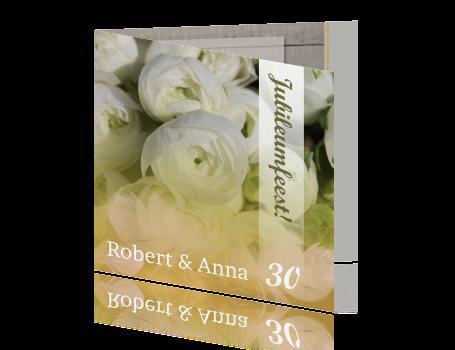 30 jarig huwelijksjubileum Uitnodigingskaart 30 jarig huwelijksjubileum witte bloemen 30 jarig huwelijksjubileum